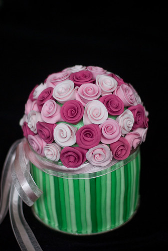 Multi Color Bunch of Roses Cake