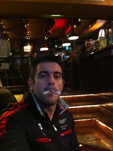"De dos en dos ... ¡¡ a volar !! intentando volar con ""marihuana airlines"" desde amsterdam - 5252149480 f03a363422 - Intentando volar con ""Marihuana Airlines"" desde Amsterdam"
