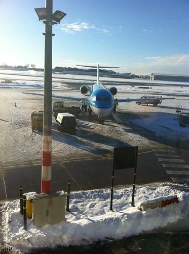 """Aeropuerto nevado intentando volar con """"marihuana airlines"""" desde amsterdam - 5254056579 71438c9f35 - Intentando volar con """"Marihuana Airlines"""" desde Amsterdam"""