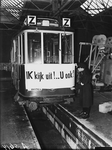 12-09-1948_05614A Verkeersactie