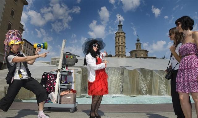 Divertour paseo con animaci n infantil para ni os de for Hoteles en zaragoza con ninos