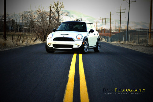 road street white black pepper nikon top mini s turbo cooper 2009 twolanes d3000 folk|photography