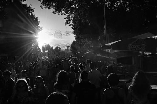 people public contraluz gente politics streetphotography backlighting leaks politica albacete publico feriadealbacete filtraciones manuelatienzar