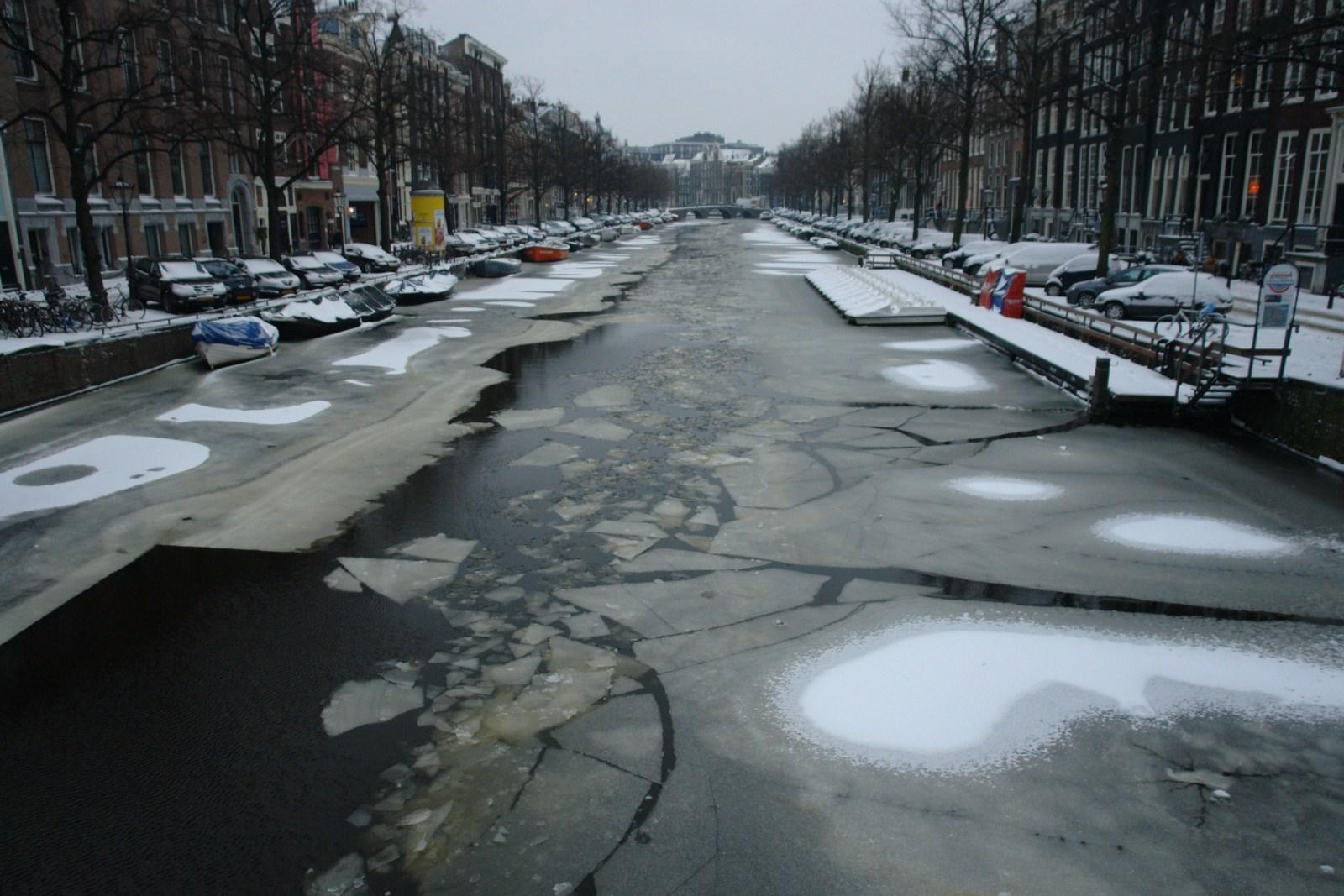 """Diciembre ... mala época para disfrutar de los canales, ¡¡ qué frío !! intentando volar con """"marihuana airlines"""" desde amsterdam - 5251533889 dcb5835bdb o - Intentando volar con """"Marihuana Airlines"""" desde Amsterdam"""