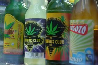 """Bebidas de Marihuana intentando volar con """"marihuana airlines"""" desde amsterdam - 5252144334 eb5323c0a2 n - Intentando volar con """"Marihuana Airlines"""" desde Amsterdam"""