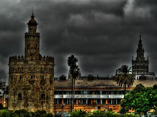 TORRE DEL ORO AMB GIRALDA DE FONS