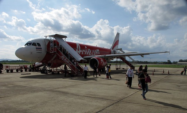 how to get to surat thani airport