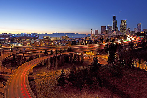 seattle longexposure winter sky usa motion building night buildings washington twilight cityscape traffic i5 dusk freeway nightview bluehour sunrisesunset clearsky nightfall lighttrail longexposures traffictrail drjoserizalpark northwestpacific canon5dmarkii