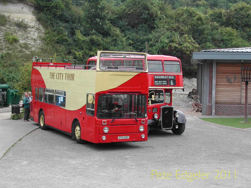STK125T 1979 Leyland AN68A Roe. JRX823 1955 Bristol KSW Low Bridge