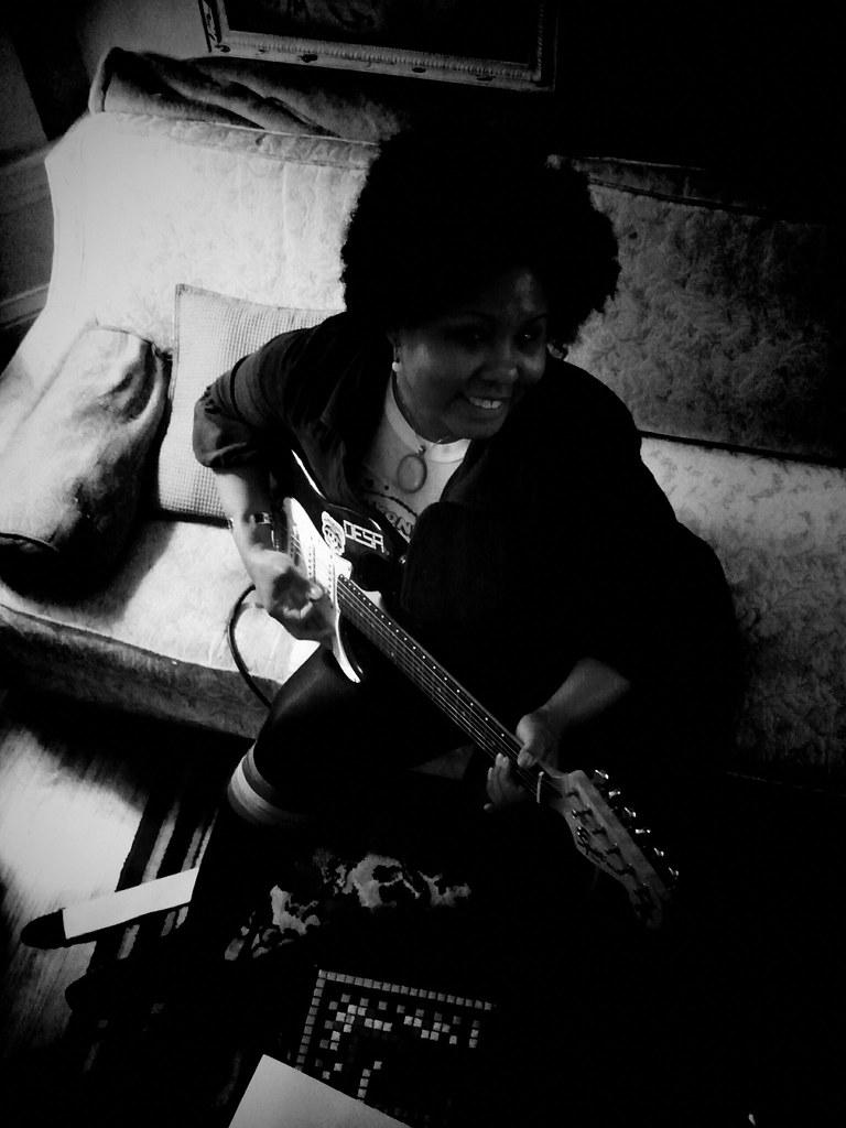 consigli per iniziare con la chitarra elettrica