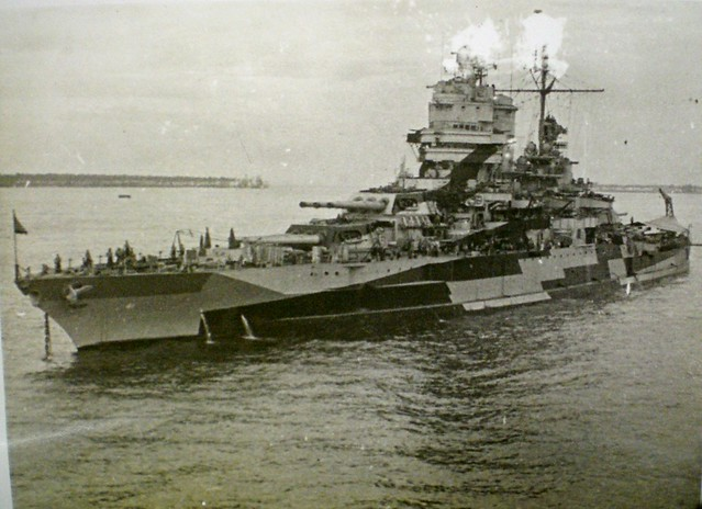 THE PACIFIC WAR: USS MISSISSIPPI and the last battleship engagement. Collection of Alan Meade, RAN 1943-1946.