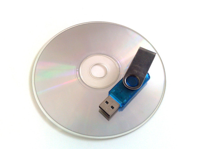 Recover files data from CD, DVD, flash card, hard drive