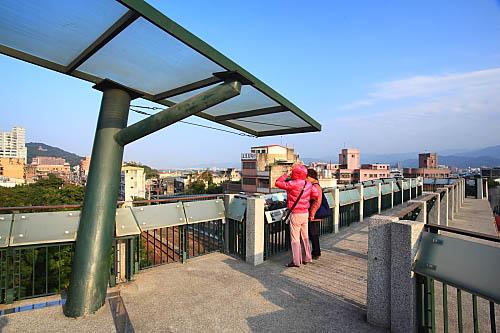 GD18鶯歌陶瓷老街陸橋