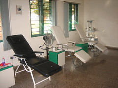 waiting room(0.0), operating theater(0.0), office(0.0), hospital(1.0), building(1.0), room(1.0), clinic(1.0),
