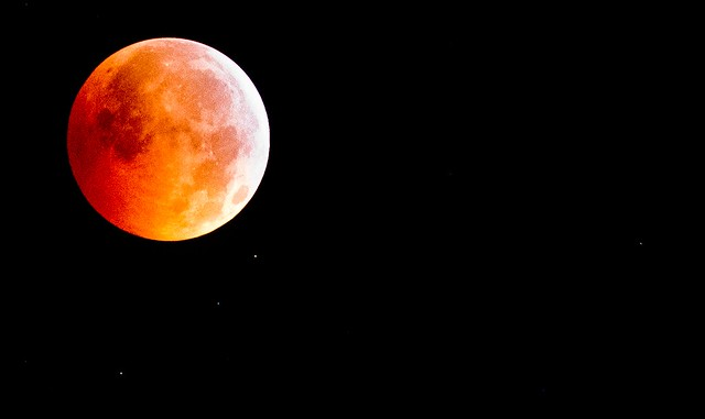 Photo:Lunar Eclipse VOL: Wanna Be MARS By:Instant Vantage