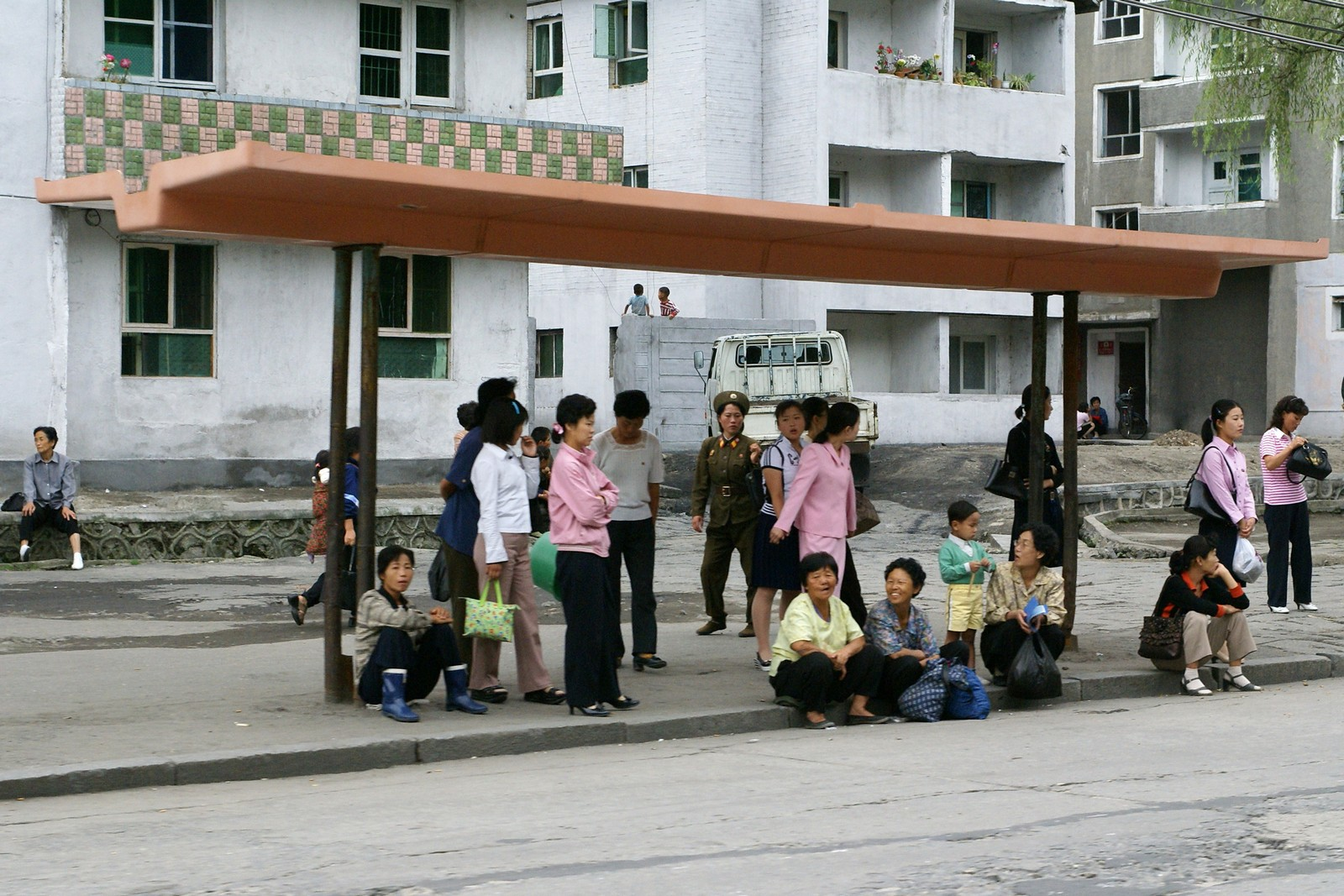 Bus stop, Wonsan