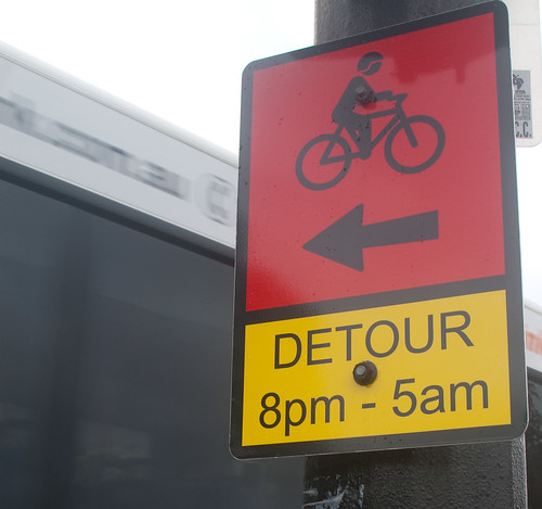 IMGP5991_bike-detour-sign