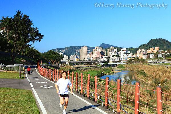 台北市木栅区的国立政治大学至木栅动物园间的景美溪