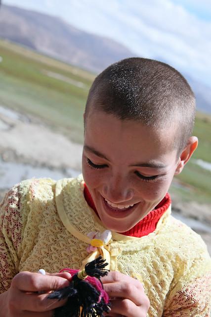 タシュクルガン、坊主頭の女の子