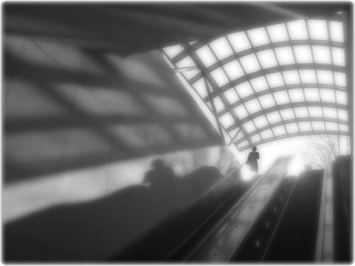 shadow bw blur lines arlington haze metro va dcist pentagoncity absoluteblackandwhite truthandillusion flipmode79 exposeddc