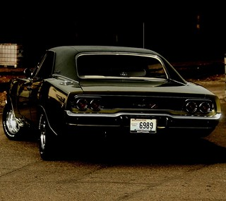 1968 Dodge Charger R/T - Droid Wallpaper