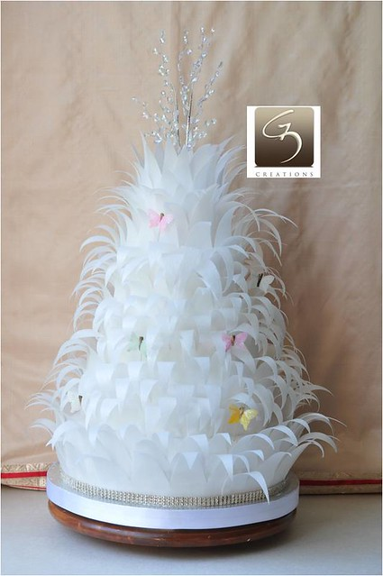 White feather wedding cake Perfect for a winter wedding