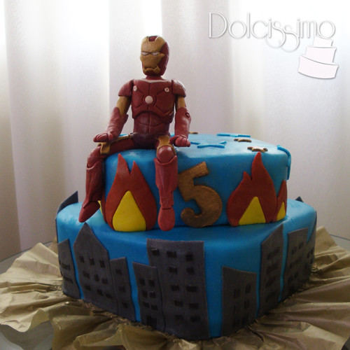 Iron Man Cake /With Gumpaste figure