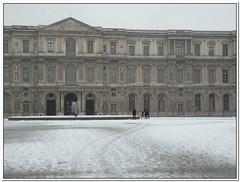 Le Louvre - cours intérieure
