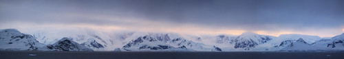 cruise sunset panorama ice photography penguins antarctica glacier southgeorgia channel travelphotography lemaire 企鹅 antarcticpeninsula 旅遊攝影 fotografíadeviajes antarcticapeninsula 旅游摄影 南极洲 यात्राफोटोग्राफी التصويرالفوتوغرافيالسفر ভ্রমণফোটোগ্রাফি