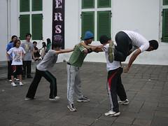 sports(0.0), performance art(0.0), dance(1.0), street dance(1.0), social group(1.0),