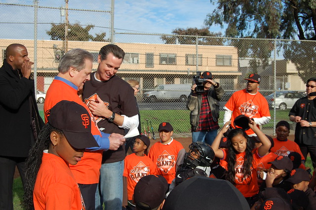 Mayor Newsom And Arlington, Texas Mayor Robert Cluck Coach Junior Giants Game And Settle Friendly Giants-Rangers World Series Wager.mayor3