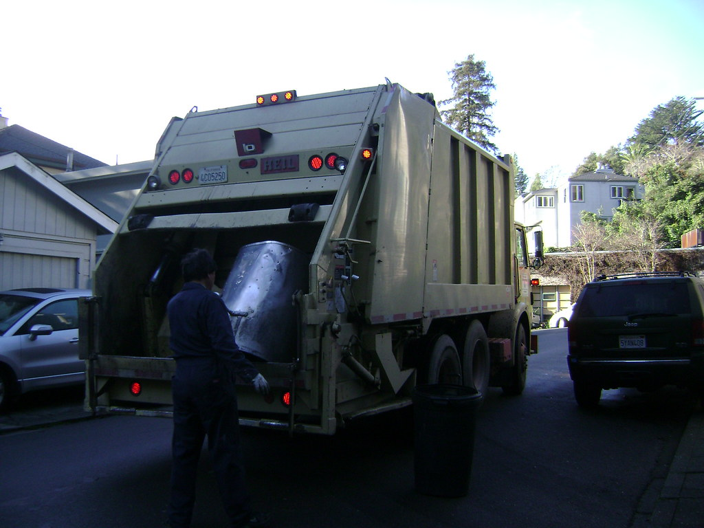 Mill Valley Refuse Service: WhiteGMC/Heil RL collecting garbage