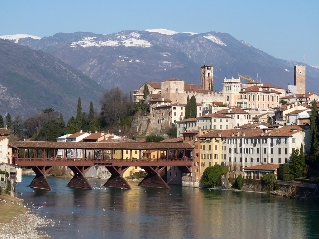 Bassano del grappa vi storia e bellezza a photo on for Arredamento bassano del grappa