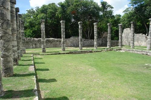 El Mercado, un lugar que debió tener una vida increíble, se conservan sus columnatas [object object] - 5462661250 7652d95230 - Chichén Itzá, el gran vestigio de la civilización Maya