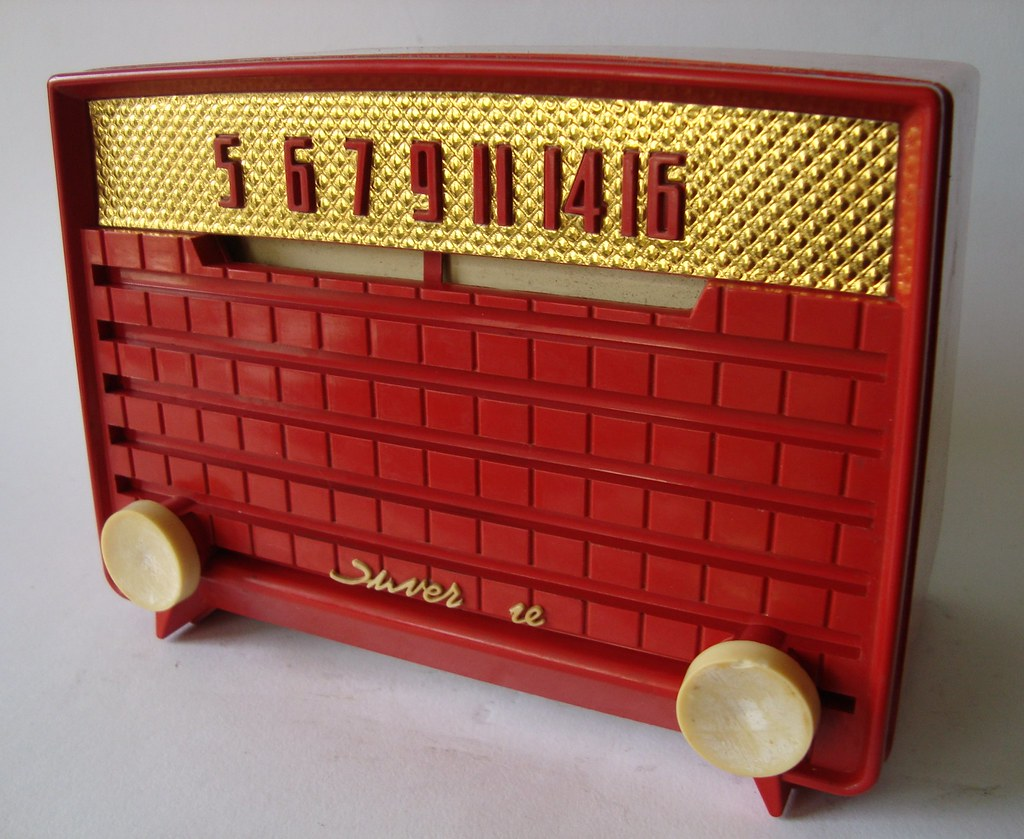 SILVERTONE Bakelite Tube Tableradio (USA 1953)
