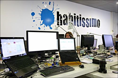 Mi mesa de trabajo en la oficina for Follando en mi oficina