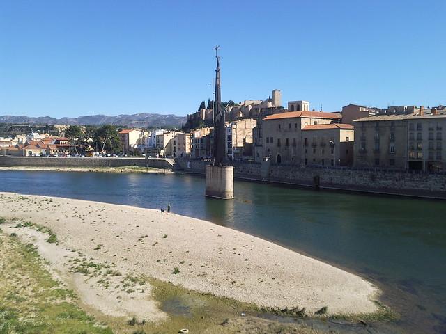 Tortosa: Monument franquista, façana fluvial i la Suda