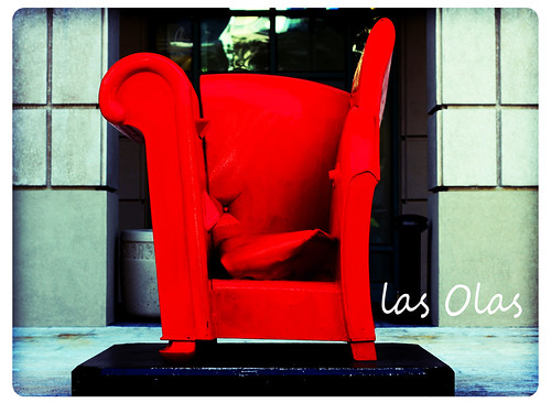 red chair of Las Olas