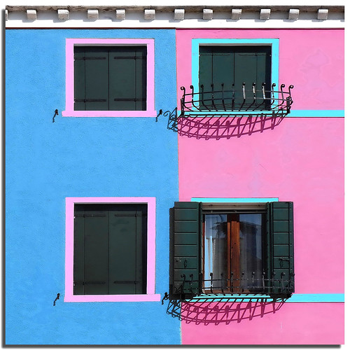 Burano tribute (6) - Living among the colors