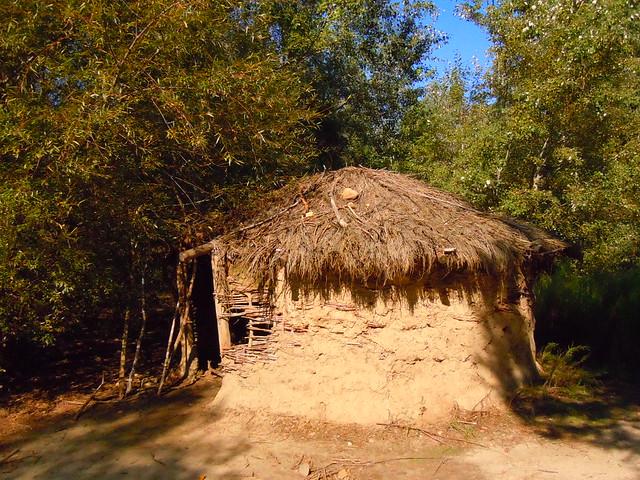 Biombo hist rico la prehistoria en madrid muy cerca del - Cabanas cerca de madrid ...
