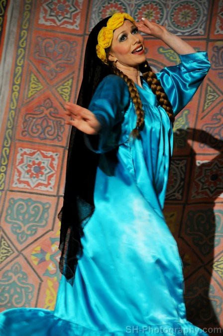 Performing a Fellahi Reda Choreography
