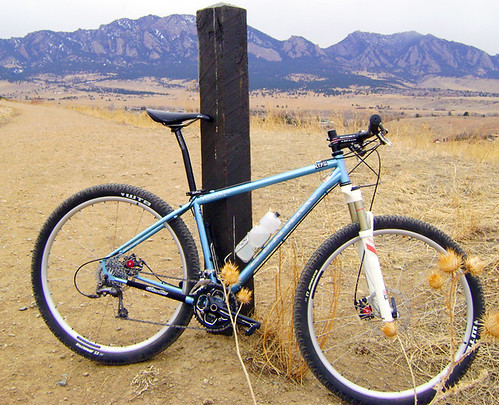 <p>This Rock Hound 29er, customized with the stainless steel chainstay disc dropouts, is shown here against the Flat Irons by Boulder Colorado.  Finished in Light Blue Base with Silver decals, this photo came courtesy of Jim at Vecchios.   60093</p>
