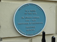 Photo of Edward Jenner blue plaque