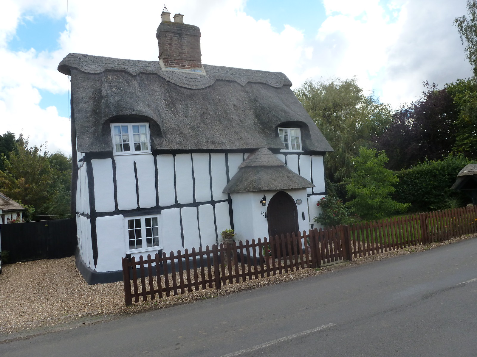 Thatched house Northill