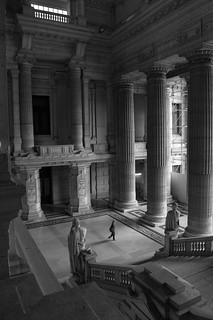 Image of Palais de justice - Justitiepaleis. brussels building blackwhite loneliness belgium palaisdejustice space empty column neoclassical palaceofjustice justitiepaleis d5000 rawtherapee