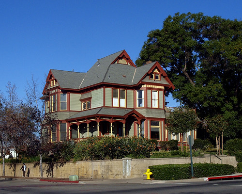 Sumner House at Pomona College