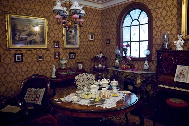 Beauty Parlour Room Design