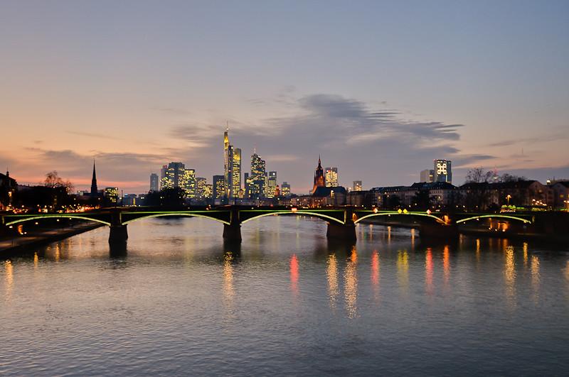 Frankfurt im Sonnenuntergang (HDR)