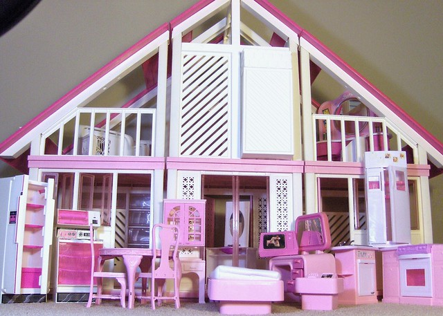 Vintage 39 78 mattel barbie dream house please help w for Dream house days furniture