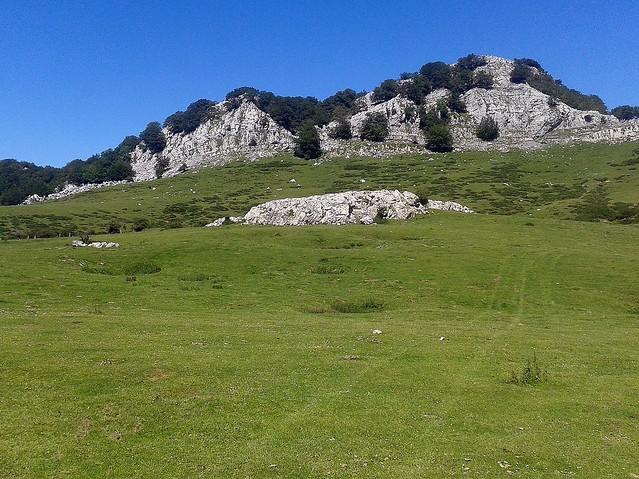 Campas de Arraba y cimas de Arteta (1.173 m.) y Kutxak (1.202 m.)